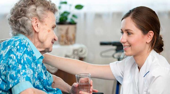 Cómo ser cuidador de ancianos
