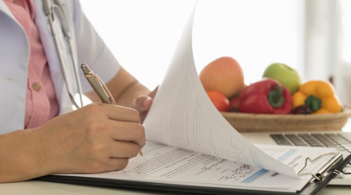 Cómo Abrir una Consulta de Nutrición y Captar Clientes
