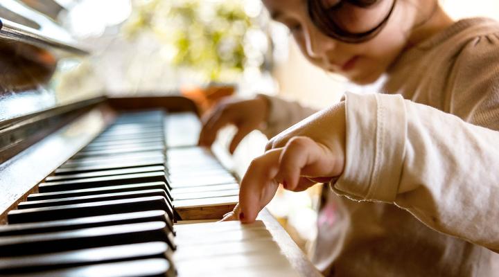 Beneficios de las Clases de Música Para Niños