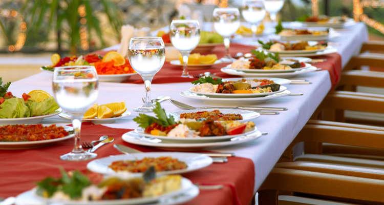 ¿Cuánto cuesta un servicio de catering para eventos?
