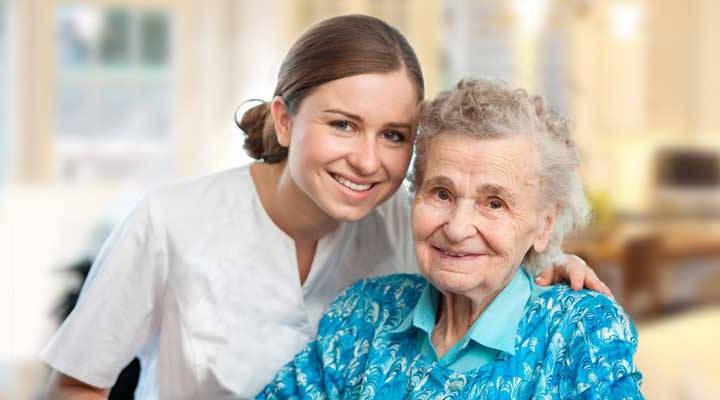 Cinco ventajas de vivir en una residencia de ancianos