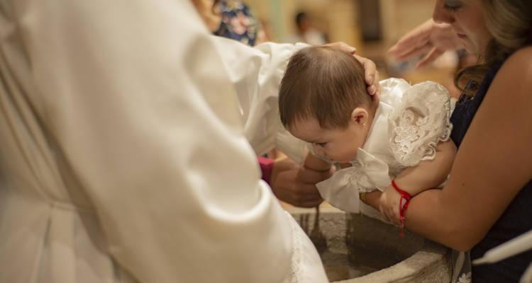 Cuánto cuesta un reportaje fotográfico de bautizo