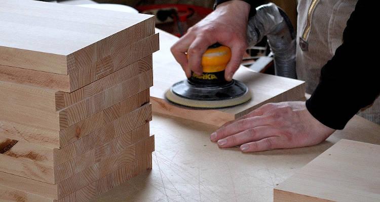 Cómo conseguir clientes para una carpintería