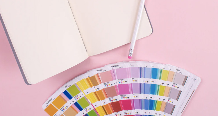 Cuánto cobra diseñador gráfico freelance