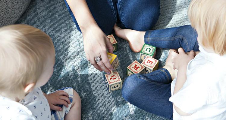 Cómo elegir a una buena niñera para tus hijos