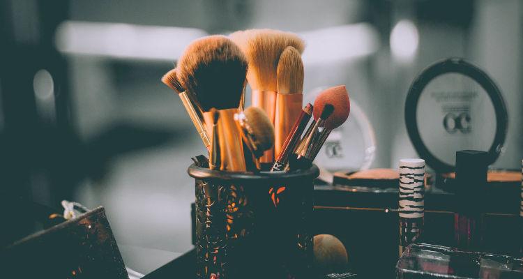 Precio de contratar un servicio de maquillaje profesional